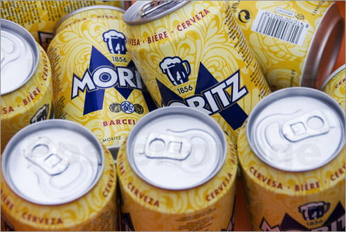 krzysztof-dydynski-cans-of-the-moritz-beer-sold-during-an-open-air-musical-event-68096